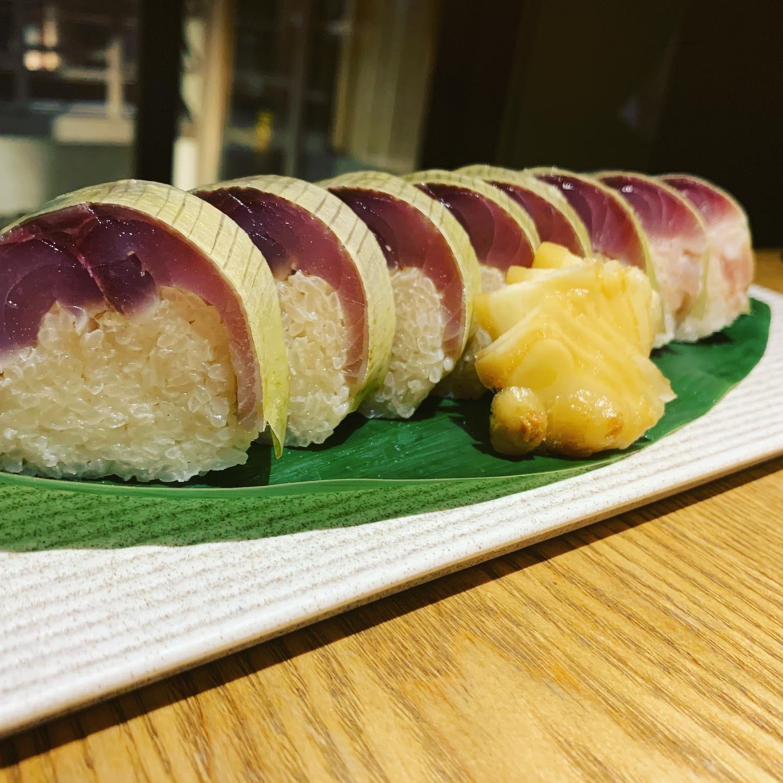 晩餐の鯖寿司